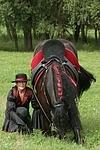 Frau mit Friese / woman and friesian horse